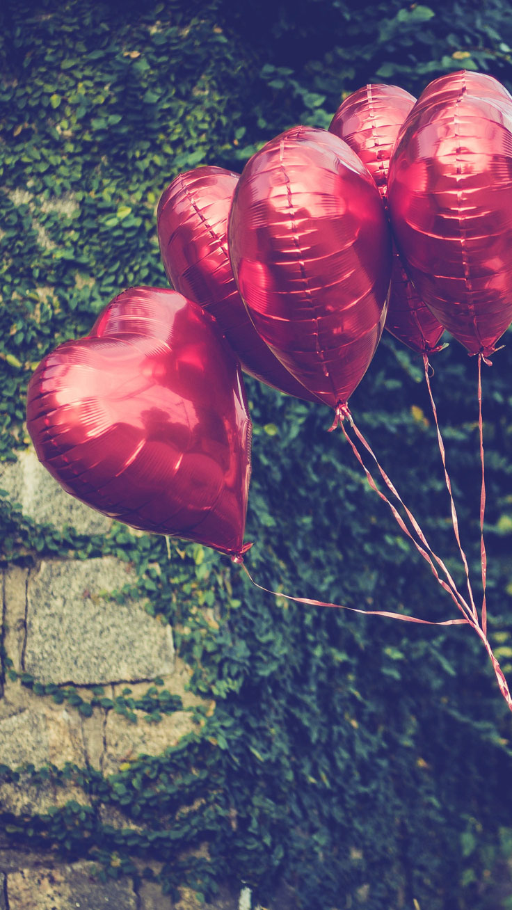 Heart Balloons - Download all Happy Valentine's Day iPhone wallpapers now