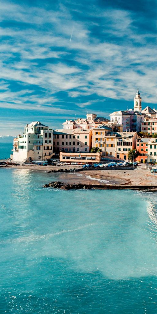 Bogliasco is part of the so-called Golfo Paradis and the perfect spot to enjoy great food and a dip in the turquoise water.