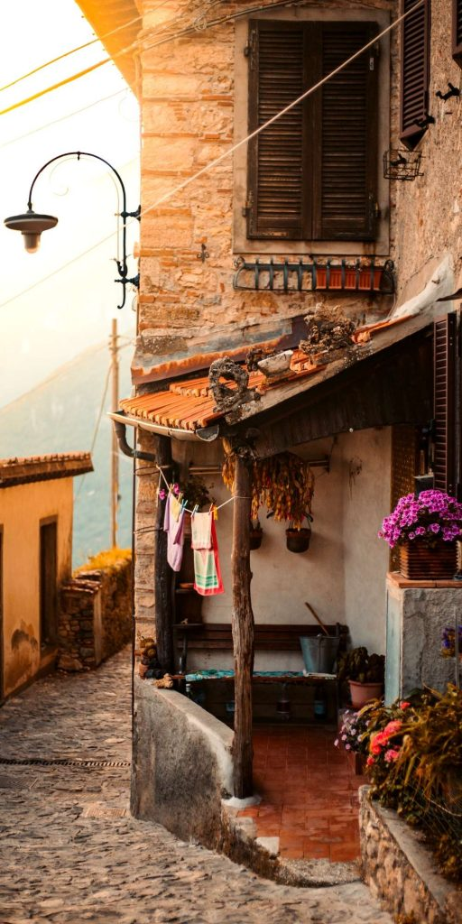 Metato is a little secluded town in Tuscany with many cozy Airbnbs. Very much the perfect spot for a romantic weekend getaway!